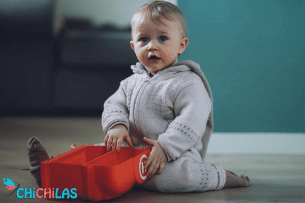 کودک 9 ماهه - کودک 12 ماهه - اسباب بازی مناسب کودک - چیچیلاس - سرگرمی کودک - فروشگاه عروسک