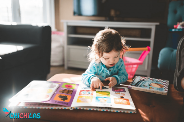 کودک 9 ماهه - کودک 12 ماهه - اسباب بازی مناسب کودک - چیچیلاس - سرگرمی کودک - فروشگاه عروسک - اسباب بازی ها - کتاب کودک - کتاب رنگی کودک