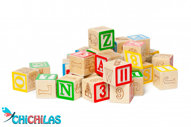 کودک 9 ماهه - کودک 12 ماهه - اسباب بازی مناسب کودک - چیچیلاس - سرگرمی کودک - فروشگاه عروسک - اسباب بازی ها - بلوک چوبی - بلوک بازی