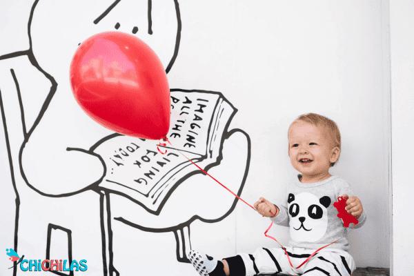چیچیلاس - عکس کودک - اسباب بازی ها - اسباب بازی مناسب کودک - سرگرمی کودک - خرید اسباب بازی - فروشگاه اینترنتی چیچیلاس