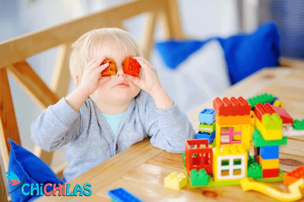 چیچیلاس - اسباب بازی خانه سازی - لگو - عروسک - فروشگاه چیچیلاس - کودک 18 ماهه - کودک 24 ماهه - فروشگاه عروسک - عکس بچه