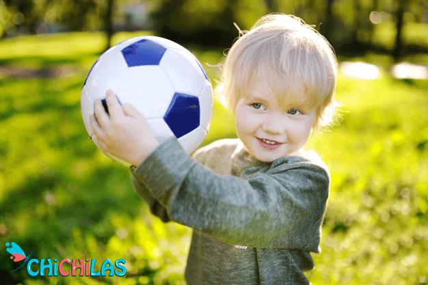 چیچیلاس - عکس اسباب بازی - توپ بازی - هدیه کودک - فروشگاه چیچیلاس - کودک 18 ماهه - کودک 24 ماهه - اسباب بازی جدید - عکس کودک