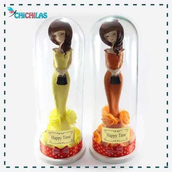 چیچیلاس - مجسمه دختر - مجسمه دختر شیشه ای - دکوری - هدیه - کادو - فروشگاه چیچیلاس - فروشگاه دکوری